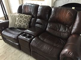 LEATHER  2 RECLINER LOVESEAT