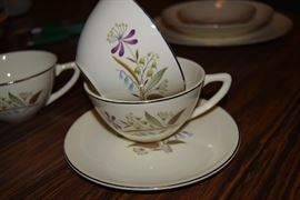 Knowles China Set - Chalet