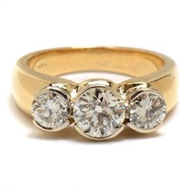 Vintage 14K Yellow Gold Diamond Ring: A vintage 14K yellow gold diamond ring with 1.68 ctw in diamonds.