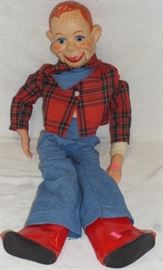 1972 Howdy Doody Puppet by EEGEE National Broadcasting Co Inc