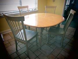 Very Nice Cottage Style Table with 4 Chairs