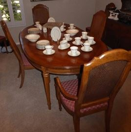 Dining set with 6 chairs/ leaves and pads