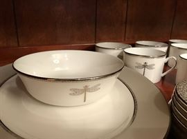 Kate Spade - June Lane, Platinum: Eight, 5 piece place settings. With Cake Server, Serving Bowl & Oval Platter