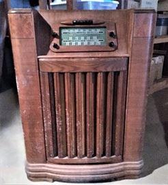 Vintage console tube radio