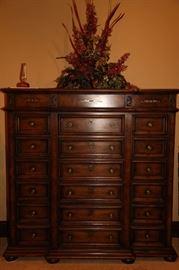 Henredon gentleman's chest of drawers (3 piece set)