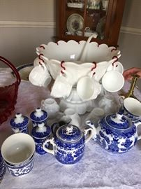 WESTMORELAND MILK GLASS PUNCH  BOWL & CUPS VARIOUS BLUE WILLOW PIECES
