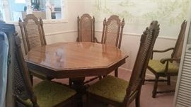 Vintage table & 6 chairs $300