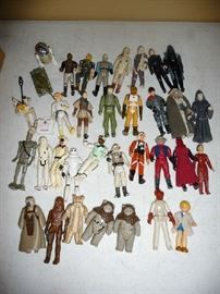 STAR WARS FIGURES (SOLD AS LOT)