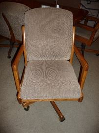 ROLLING DINING CHAIR