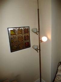 VINTAGE FLOOR TO CEILING LAMP