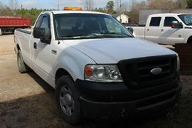 9 - 2006 Ford 150 work truck, long wheel base, white with gray interior, 226, 123 miles