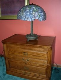 Fine Tiffany style bronze and leaded glass table lamp