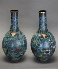 pair of Chinese gilt cloisonne vases, Qing dynasty, each: 15.5in(H)