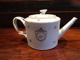 Chinese Export tea pot.
