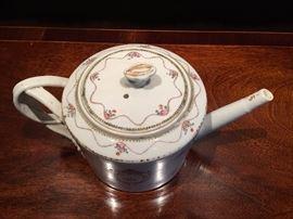 Top of teapot, circa 1790.