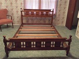 Sprague & Carleton Solid Rock Maple bed frame