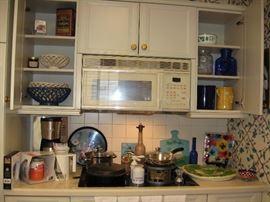 More kitchen accessories