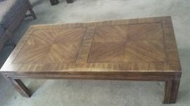 Coffee table w/end tables