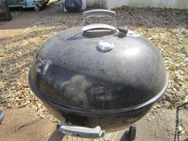 WEBER GRILL AND SMOKER