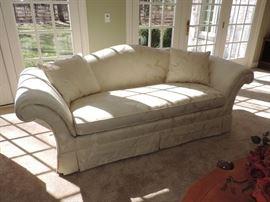 Hickory White Sofa - Excellent !