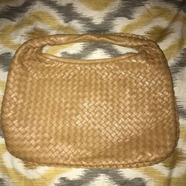 BOTTEGA VENETA HOBO LEATHER HANDBAG