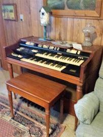 Wurlitzer organ with bench.  Needs TLC