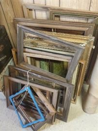 various sizes pictures frames