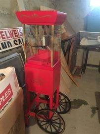 popcorn machine, perfect for man cave or family functions