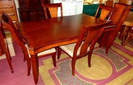 BEAUTIFUL CONTEMPORARY DINING ROOM TABLE, CHAIRS, LEAVES, PADS