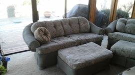 This is a 5 piece indoor / outdoor patio furniture
