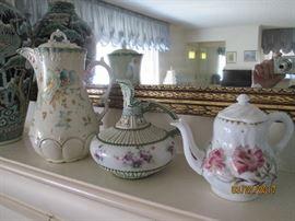 Antique porcelain pieces..pristine!