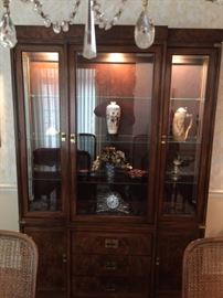 CHINA CABINET HICKORY FURNITURE .