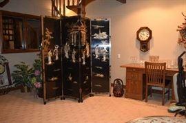 Asian/Chinese/Oriental Room Divider, Desk, Clock