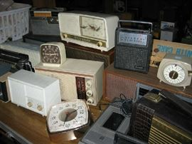 Large Collection of Vintage Radios