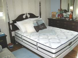 Thomasville Full Size Bed