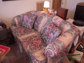 MATCHING LOVESEAT LIKE NEW