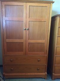 Loving cared-for 5 piece oak armoire Thomasville Impressions bedroom set