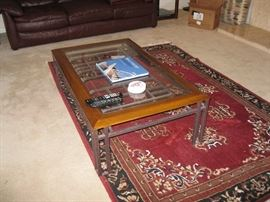 Coffee table with 2 end tables to match it.
