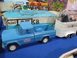 Mini Tonka Pick up Truck and Trailer
