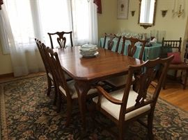 Ethan Allen Dining Table with 2 Leaves and 6 Chairs