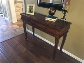 Nice 2 drawer console