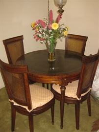 Great Heritage game table, w/pullout coasters