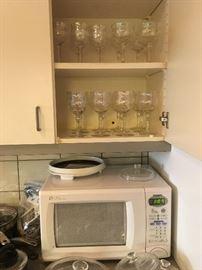 Microwave, stemware