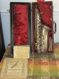 Alto saxiphone, with vintage music