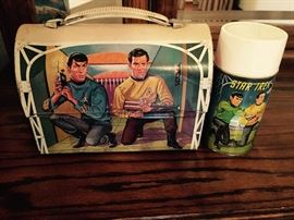 STAR TREK VINTAGE LUNCH BOX WITH THERMOS