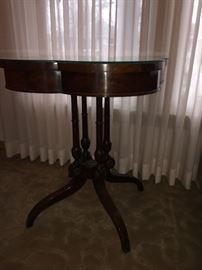 Antique Shamrock table