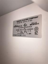 GENERAL ELECTRIC REFRIGERATOR MODEL NO. GSS25QGPA