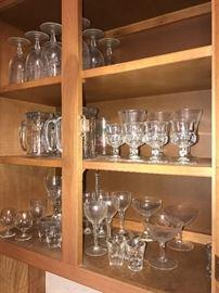 KITCHENWARE AND GLASSWARE
