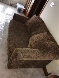 JACQUARD FABRIC LOVE-SEAT WITH PULL-OUT SLEEPER