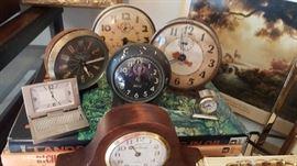 Vintage/retro/antique clocks GALORE!